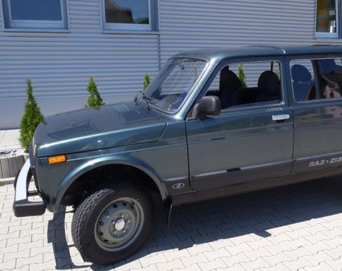 LADA NIVA 5speed manual