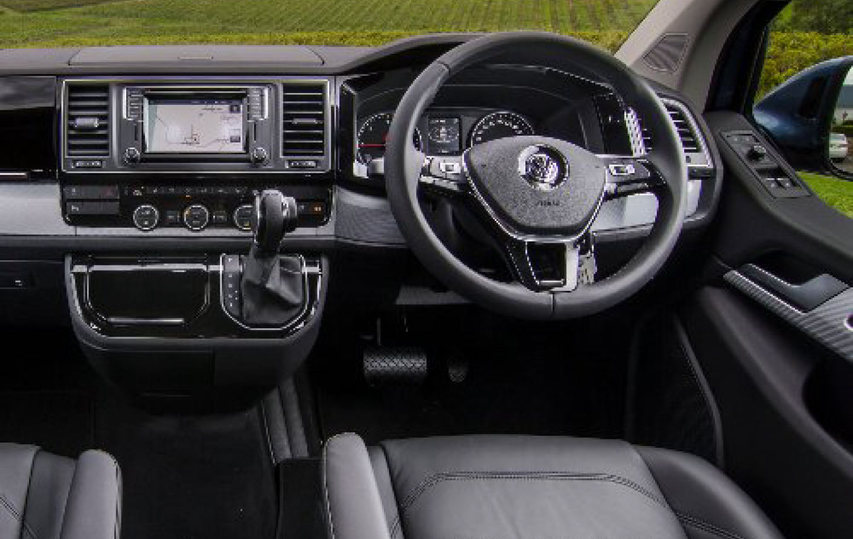 VW T6 MULTIVANの運転席