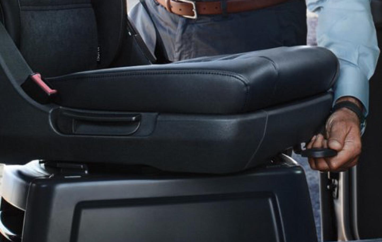 回転可能な座席