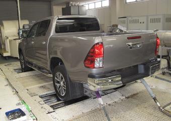 オフロード車の排ガス試験