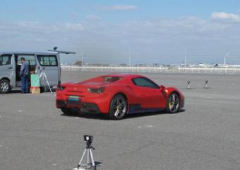 輸入新車の加速走行試験