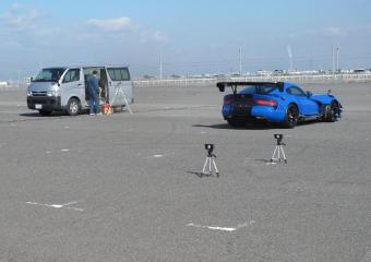輸入中古車車を試験